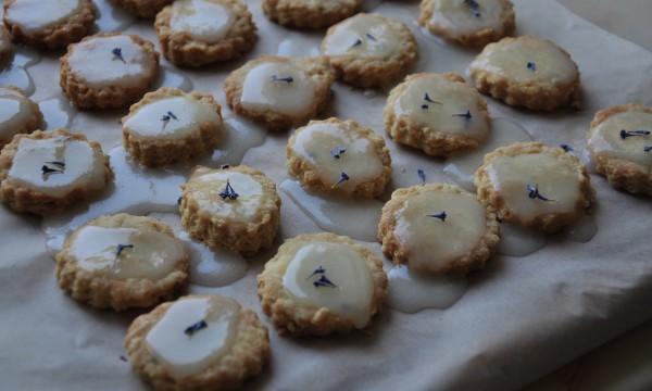 Лавандовое печенье с лаймом и лаймовой глазурью