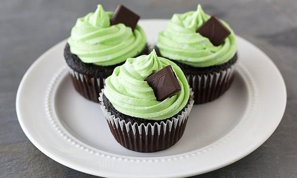 Освежающий десерт, мятно-шоколадные капкейки