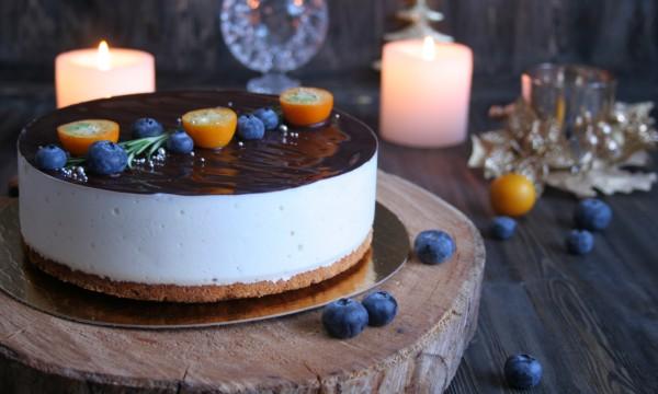 """Анна Илларионова: """"Набивала руку, чтобы самостоятельно сделать супер торт сыну на годик"""""""