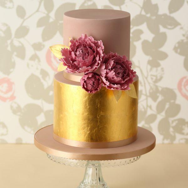 Золотой торт – новый тренд в декоре
