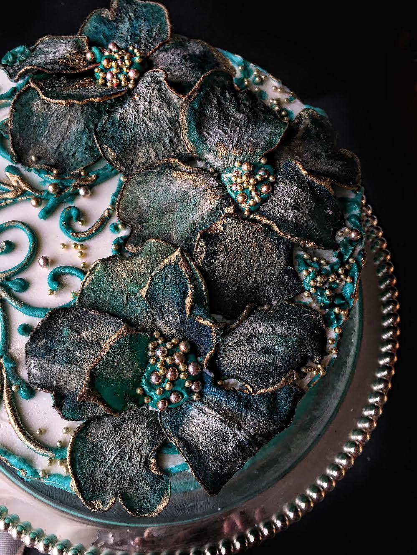 декор из вяленых груш