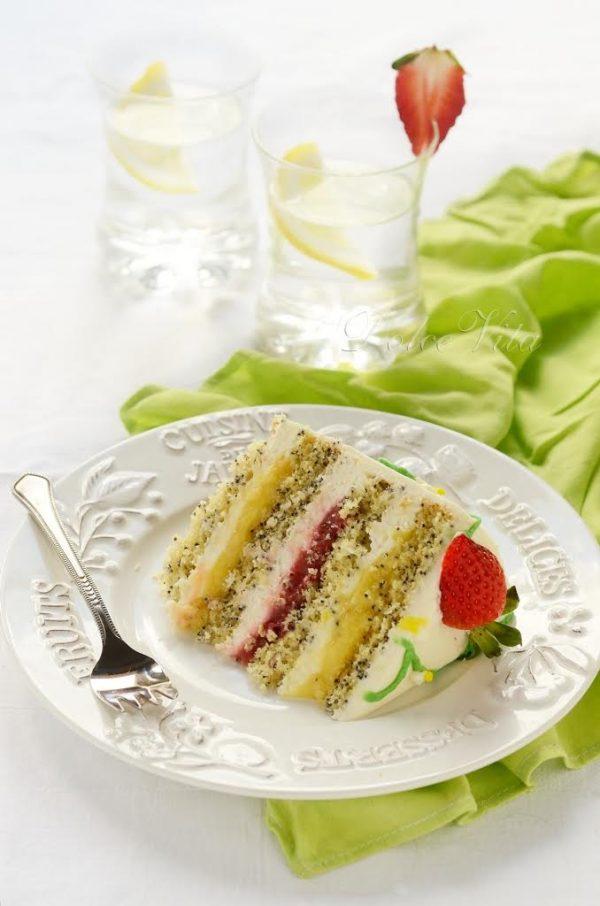Торт «Лика» с лимоном и клубникой