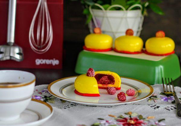 mussovye pirozhnye mango malina