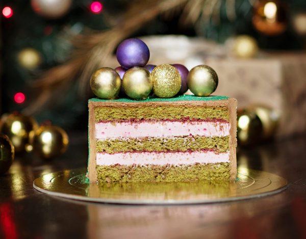 Торт «Чай матча с малиной»