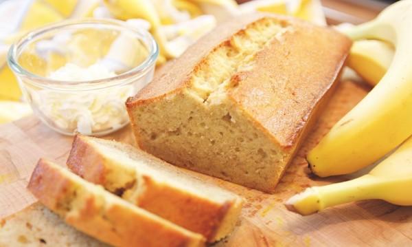 Банановый бисквит – 2 потрясающих рецепта