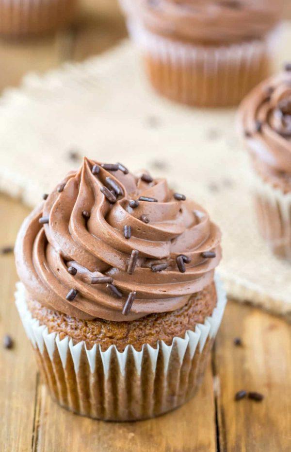Шоколадный крем для тортов и капкейков