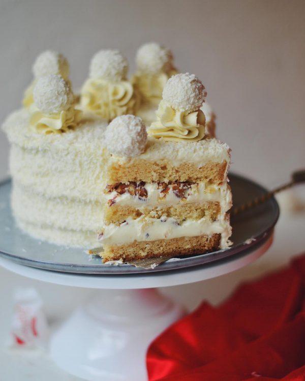 Торт «Кокосовый с миндалем»