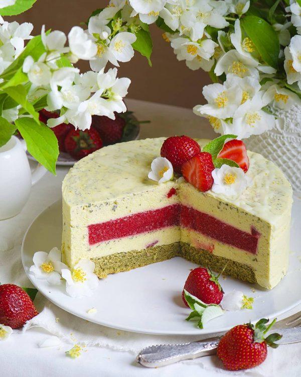 муссовый торт с малиной и мятой