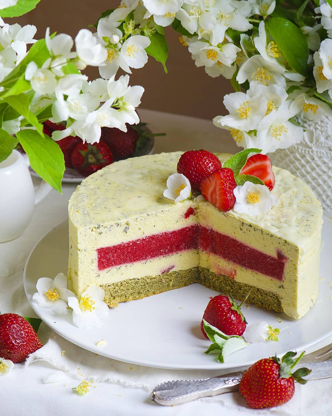 Муссовый торт «Клубнично-мятный пломбир»